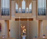 Pfarrkirche mit Ansicht gegen Orgel